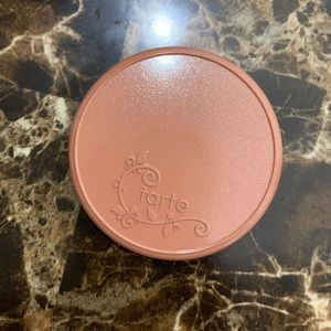 Tarte cosmetics highlighter in shade Daygleam